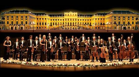 演奏:ウィーン・シェーンブルン宮殿オーケストラ