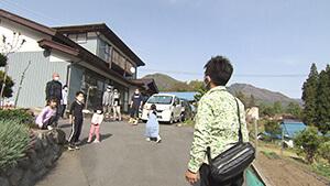 """BBQを楽しむ大家族 日本で最も美しい村 後編 高山村で """"美しいモノ"""" 探し"""