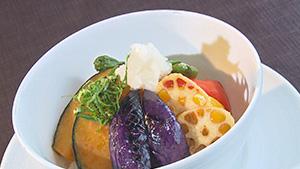 夏野菜の彩り丼(SUWAガラスの里レストラン)
