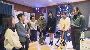 軽音部の5人組ガールズバンド「amayadori」|ミライへ!信州新世代 ~豊かな個性と創造力あふれる野沢南高校~
