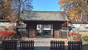 上田高校正門「古城の門」 長野県上田高等学校120周年記念「いざ百難に試みむ」~グローバル人材の育成をめざして~