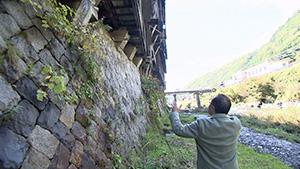 木曽の不思議な名所 崖家造り(いいね!信州スゴヂカラ)