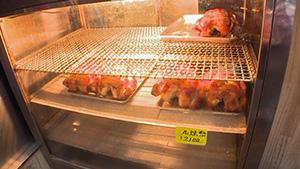 歴史に育まれた伝統工芸 軽井沢彫(いいね!信州スゴヂカラ)| 鳥勝商店(若鶏の丸焼)