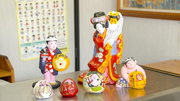 中野の商店街 春を告げる 中野土人形