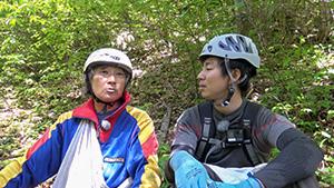 タケノコ採り名人河野さんと吉田アナ これが信州のネマガリダケだ!