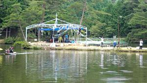 キャンプ場 湖の真ん中にステージ・おおぐて湖キャンプ場|南信州をキャンプの聖地に