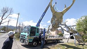 ステンレス彫刻・巨大クワガタムシ|巨大ステンレス彫刻家!中嶋大道