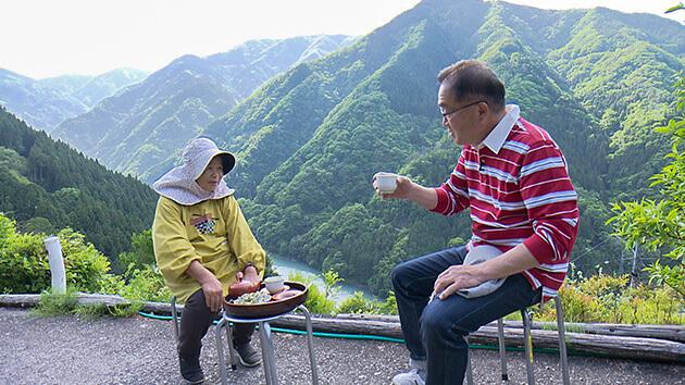 お茶農家・松坂彰久(abnアナウンサー)|天龍村の中井侍銘茶を探る