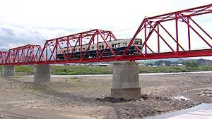 赤い鉄橋|別所線で行く 初夏の塩田平